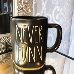💕NEW💕 Rae Dunn NEVER DUNN Black Mug
